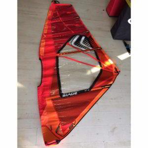 Vela de windsurf segunda mano Severne Blade 3.0 vista entera