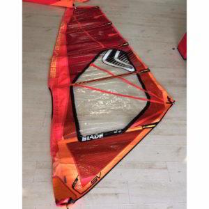 Vela de windsurf segunda mano Severne Blade 4.0 vista entera