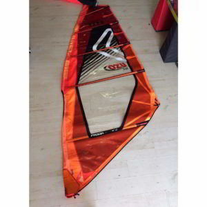Vela de windsurf segunda mano Severne Freek 4.4 vista entera