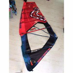 Vela de windsurf segunda mano Severne blade 4.5 vista entera