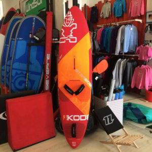 Tabla de windsurf segunda mano Starboard Ultrakode vista parte Frontal