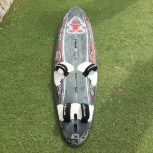 Tabla de windsurf Starboard Speed W54 72L por delante