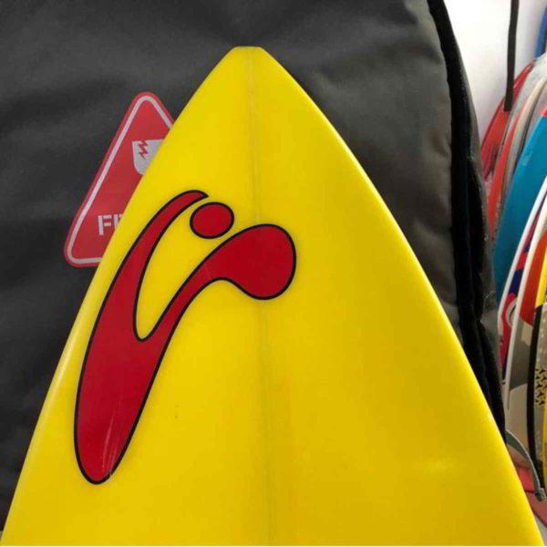 Tabla de surfkite Amundson Custom vista trasera punta