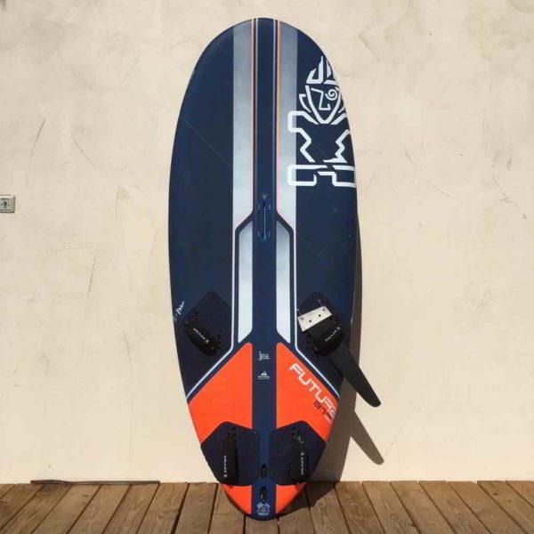 tabla de windsurf starboard futura 137L vista frontal