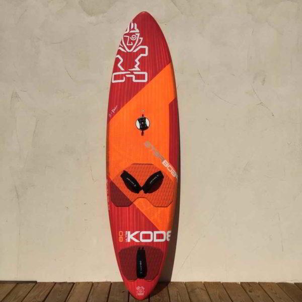 tabla de windsurf Starboard ultrakode 80L vista frontal