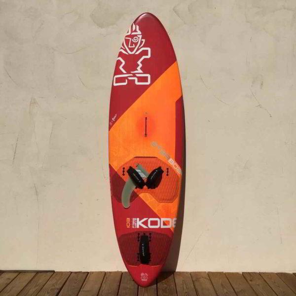 tabla de windsurf Starboard ultrakode 103L vista frontal