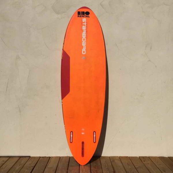 tabla de windsurf Starboard ultrakode 103L vista trasera